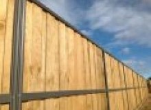 Kwikfynd Lap and Cap Timber Fencing acaciapark